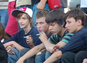 Вред курения подростков